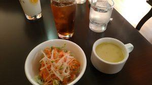 サラダ/スープ/烏龍茶